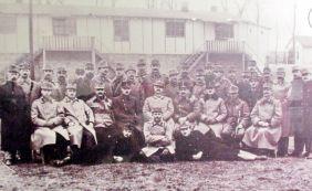 Австро-венгерское руководство тюрьмой «Малой крепости» времен 1й мировой войны. Чешские офицеры и нижние чины составляли в нём меньшинство.