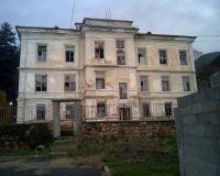 Здание бывшего приюта болгарских сирот, в 1927 г. переданное приюту русских ветеранов.